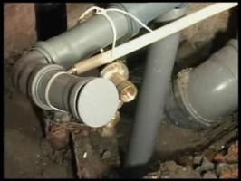 В Саранске должникам по квартплате будут перекрывать канализацию