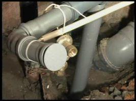Должникам по квартплате будут перекрывать канализацию