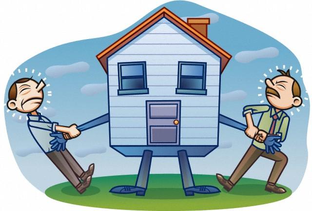 После продажи квартиры бывший собственник не выписался