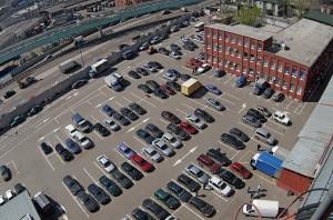 В центре Москвы начинает действовать пилотная зона платной парковки