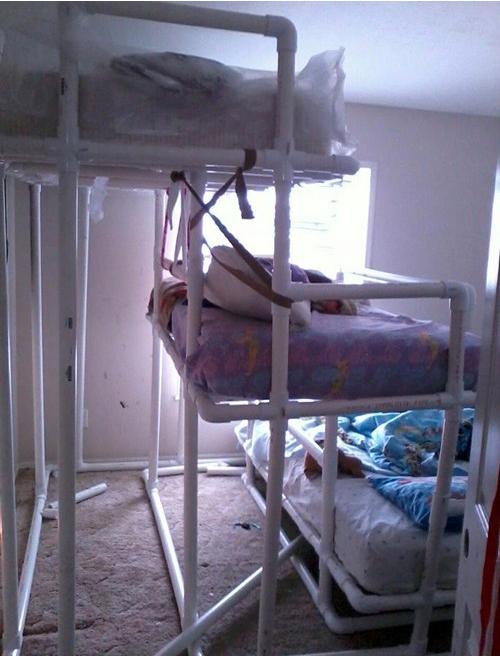 Детская кровать из труб пвх своими руками 13