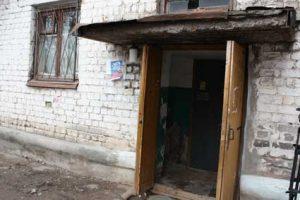 Жители дома в Ивантеевке проходят в подъезд по отпечаткам пальцев