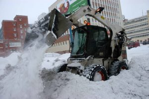 В Омске проверили качество уборки снега