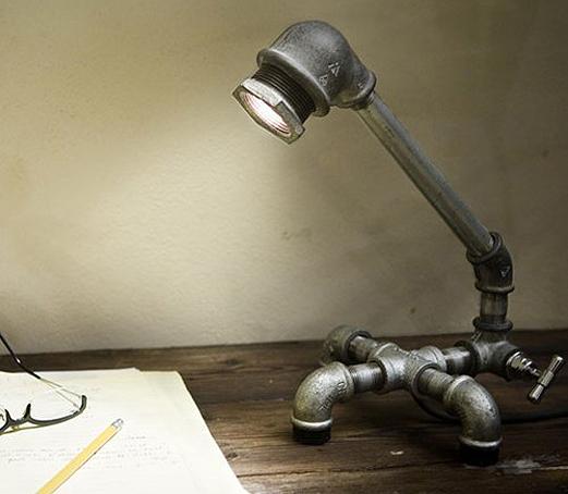 Лампа из труб