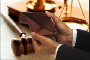 В Чебоксарах управляющая компания расклеивала объявления о банкротстве конкурента
