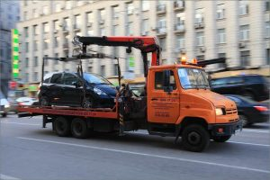 Эвакуация неправильно припаркованных автомобилей в Москве обойдется в 5 тысяч рублей
