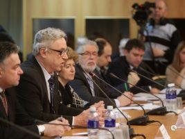 В Госдуме обсудили проблемы экологической безопасности использования противогололедных материалов
