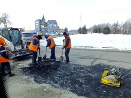 Дорожные службы Ульяновска готовятся к ремонту дорог горячим асфальтобетоном