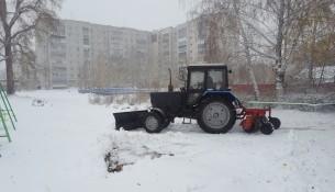 В Ульяновске продолжается очистка дворов и дорог