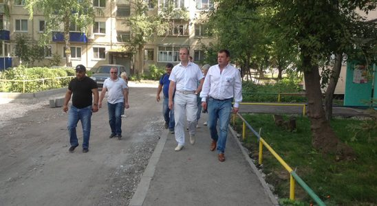 Ремонт дворов Ульяновска ведётся без выходных