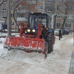 Ульяновские дворы очищают от наледи и сосулек