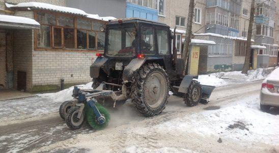 Сергей Гигирев потребовал очистить дворы от наледи