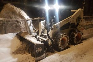 Ночью улицы Ульяновска очищали 148 единиц спецтехники